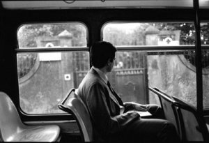 Hombre en autobus